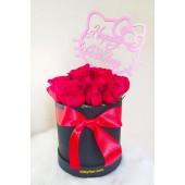 Box de Rosas Rojas con Topper Hello Kitty.